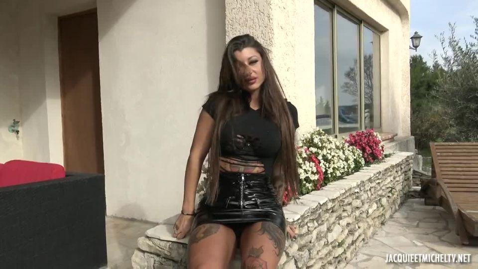 Amanda Had Spotted Zarah (JacquieEtMichelTV / Indecentes-Voisines) Screenshot 0