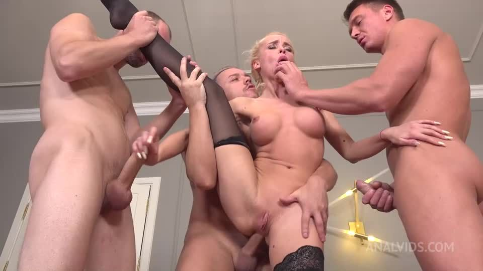 Pee drink with beautiful Russian gymnast! Gape, DP, Deepthroat and cum in mouth NRX046 (LegalPorno / AnalVids) Screenshot 2