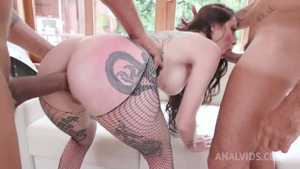 Inked milf gets her asshole stretched to maximum (DAP, Prolapse) YE055 (LegalPorno) Screenshot 2