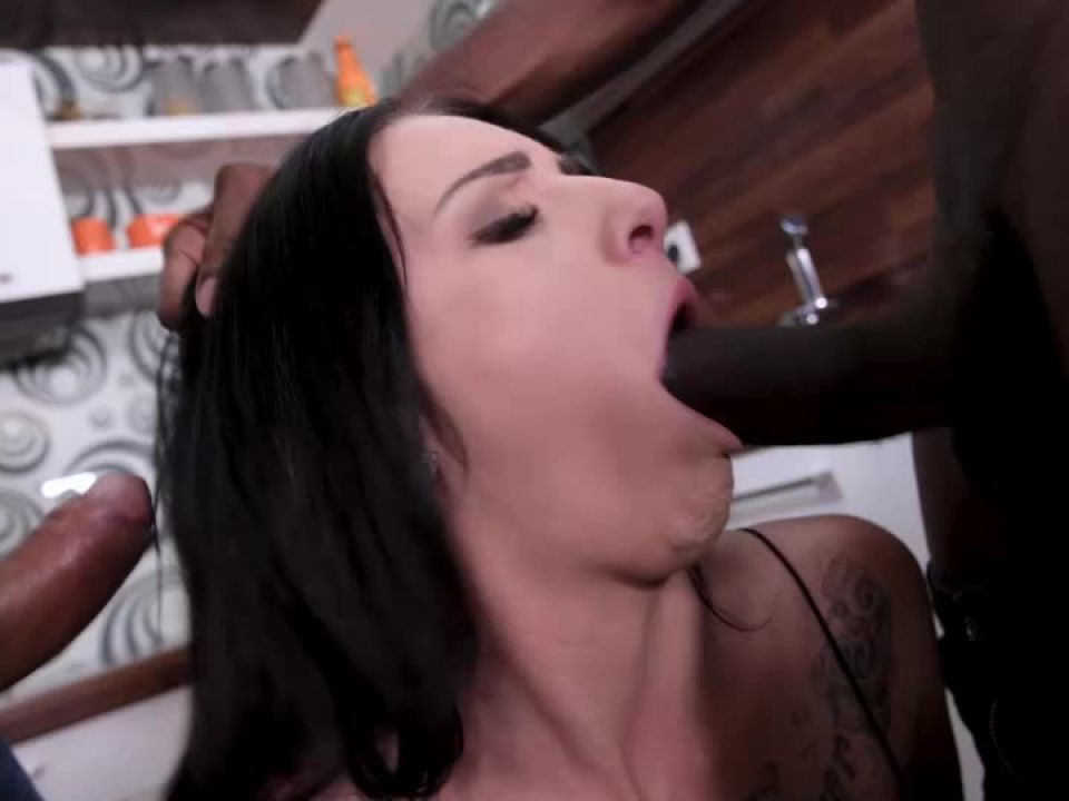 Dirty Double Penetration Desires (HandsOnHardcore / DDFNetwork) Screenshot 1