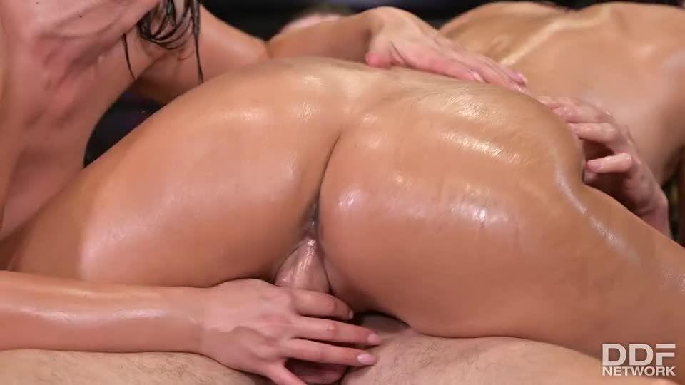 XXX Throwdown – Round 2 (DDFBusty / DDFNetwork / PornWorld) Screenshot 4