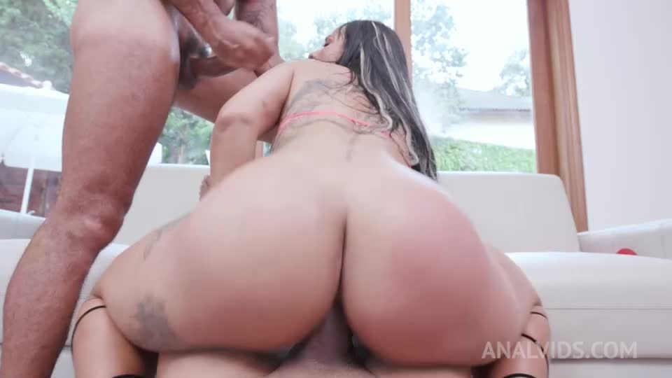 Anal threesome with hot milf (DP, DVP, Squirting) YE057 (LegalPorno / AnalVids) Screenshot 9