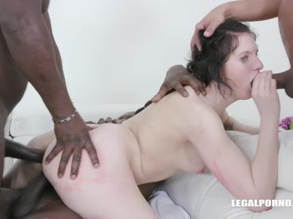 Enjoys african champagne (LegalPorno) Screenshot 3