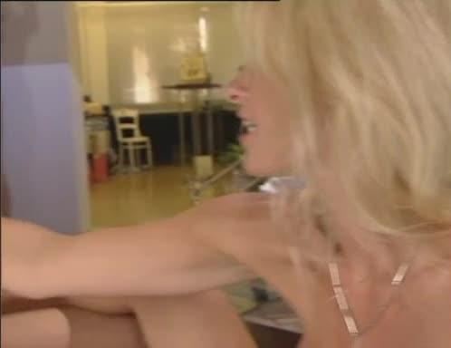 [Magma] Tresen Schlampen - Gina Blonde, Red Sonja, Nicoletta Blue (Orgy)/(Blonde)