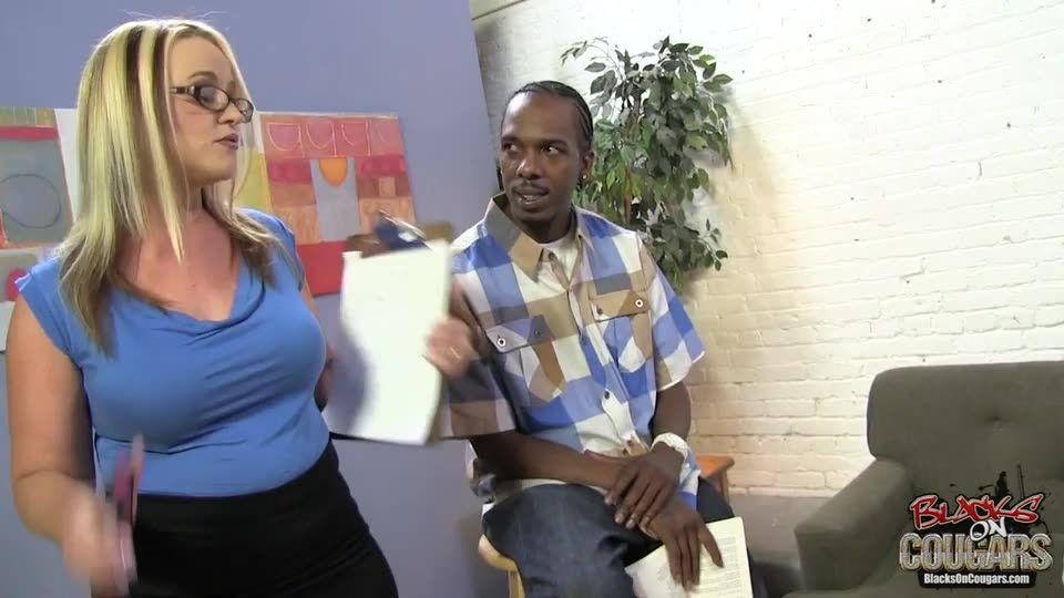 Blacks On Cougars 12 (Hush Hush Entertainment) Screenshot 0