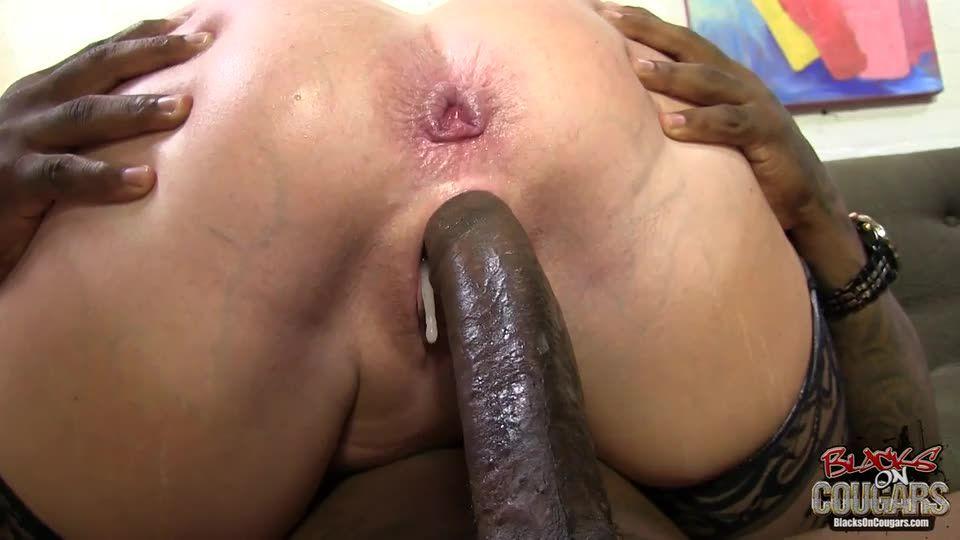 Blacks On Cougars 12 (Hush Hush Entertainment) Screenshot 9