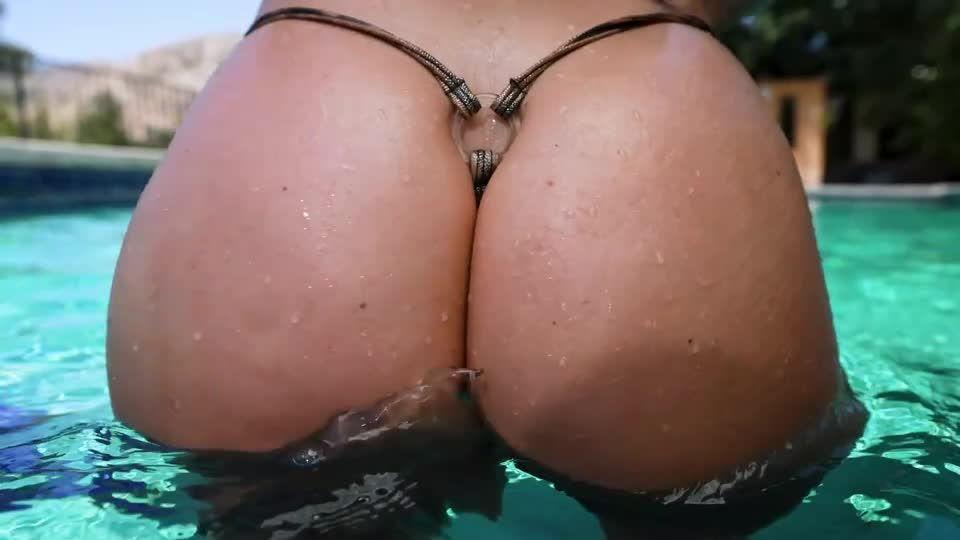 Savannah Bond Beach Bikini Slut (Evil Angel) Screenshot 0