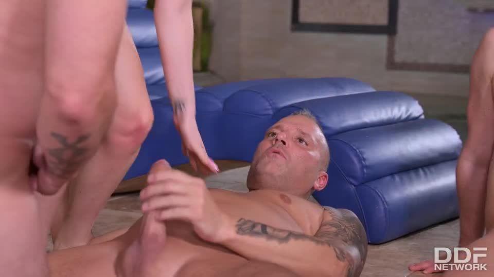 Sharing Is Caring When Stud Shares Stacked Italian Blonde With His Pals (HandsOnHardcore / DDFNetwork / PornWorld) Screenshot 6
