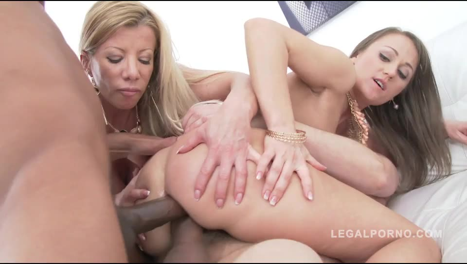 [LegalPorno] Ass eating sluts double anal foursome - Lara De Santis, Angel Karyna (DAP)/(2M2F)