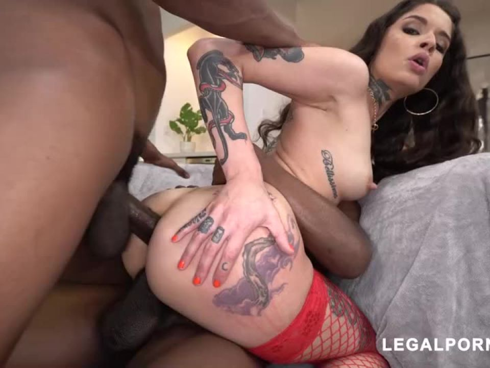 We found another hot tattooed beauty that loves to take BBC your gonna fall in love (LegalPorno) Screenshot 4
