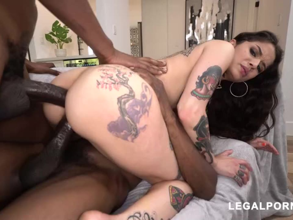 We found another hot tattooed beauty that loves to take BBC your gonna fall in love (LegalPorno) Screenshot 8