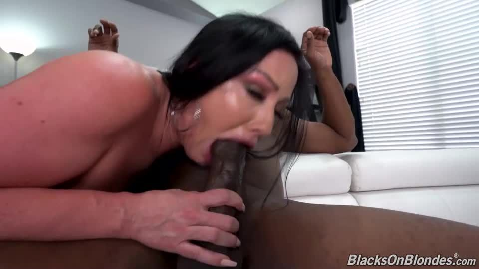 Jennifer White's Third Appearance (BlacksOnBlondes / DogFartNetwork) Screenshot 2