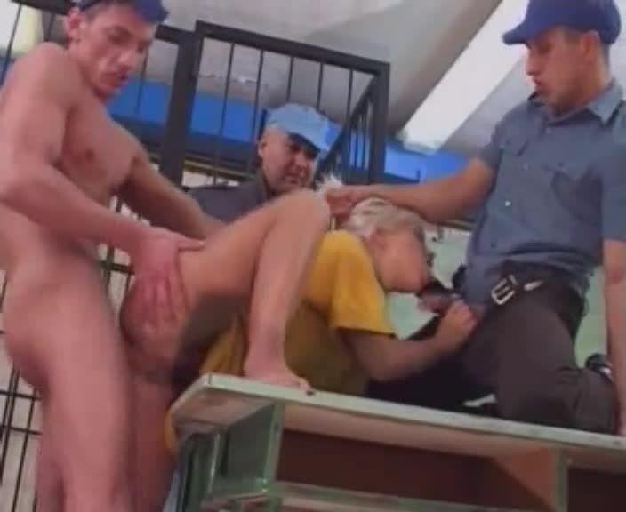 Madchen Knast / Mädchen Knast: Blutjunge Ausreisserinnen hinter Gittern (Silwa Video) Screenshot 4