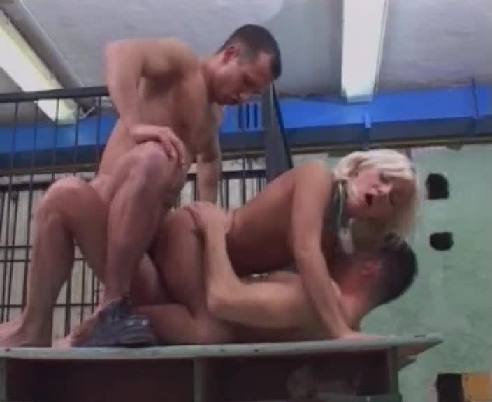 Madchen Knast / Mädchen Knast: Blutjunge Ausreisserinnen hinter Gittern (Silwa Video) Screenshot 6