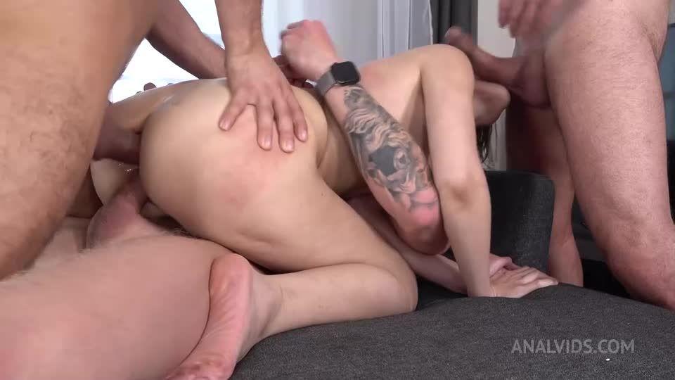 DP Three Cocks – BIG PISS DRINKING – Pissing – Dog Bowl – Gagging – Anal VK082 (LegalPorno / AnalVids) Screenshot 4