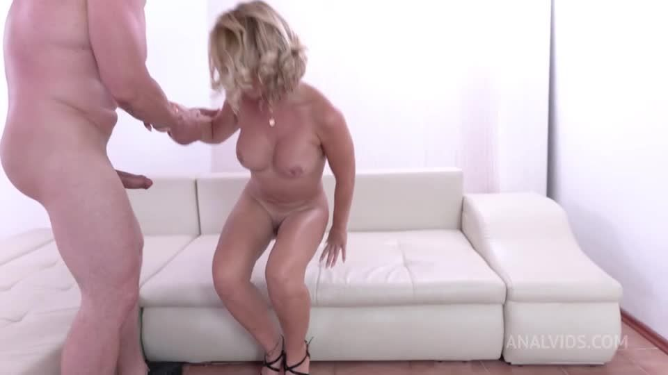 First Time Double Pussy. DAP, piss drinking DVP rough NF109 (LegalPorno / AnalVids) Screenshot 6