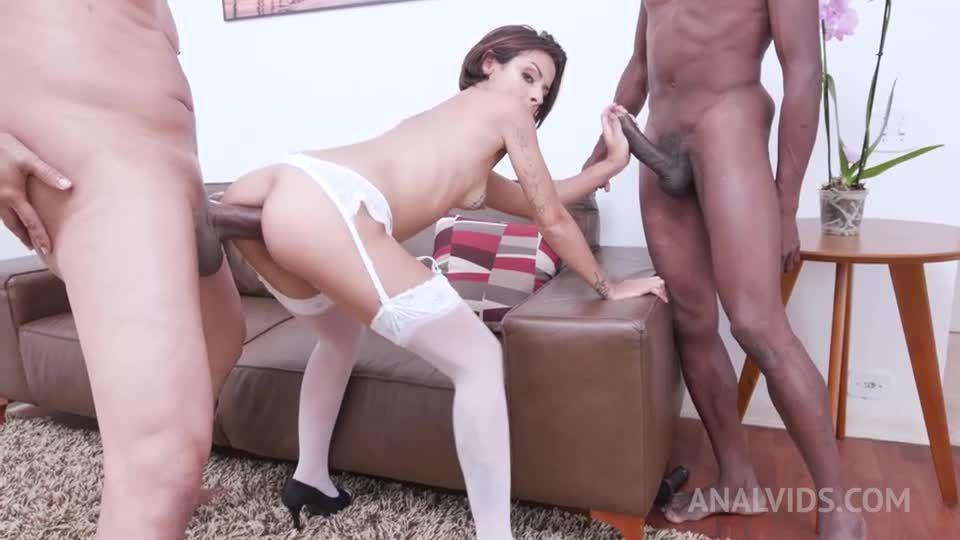 Interracial threesome with hot latina YE046 (LegalPorno / AnalVids) Screenshot 2