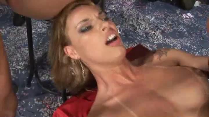 [Brasileirinhas] Sexo no Salao 2009 - Nikki Rio, Milena Santos, Daniela Matarazzo (Orgy)/(Brunette)
