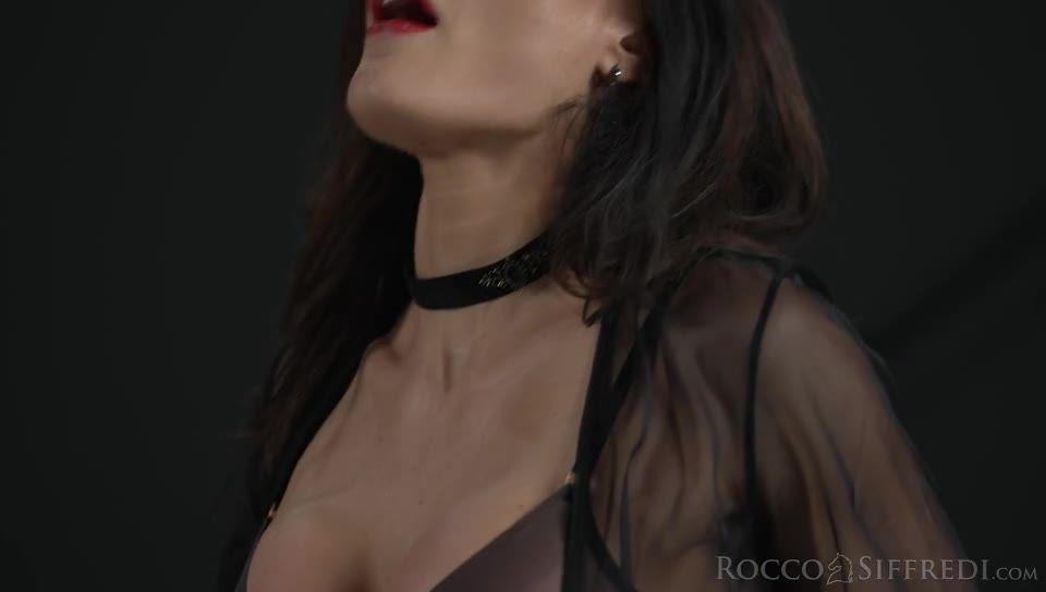 The Spanish Stallion: Sybil's Power of Seduction (Rocco Siffredi / Evil Angel) Screenshot 0