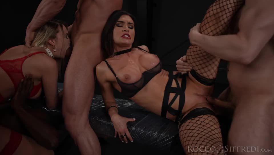 The Spanish Stallion: Sybil's Power of Seduction (Rocco Siffredi / Evil Angel) Screenshot 2