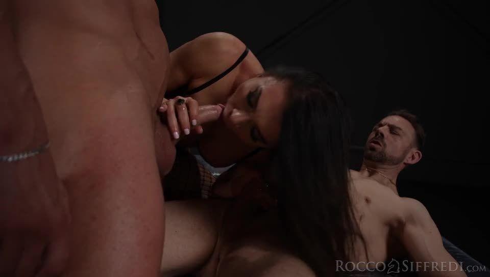 The Spanish Stallion: Sybil's Power of Seduction (Rocco Siffredi / Evil Angel) Screenshot 4