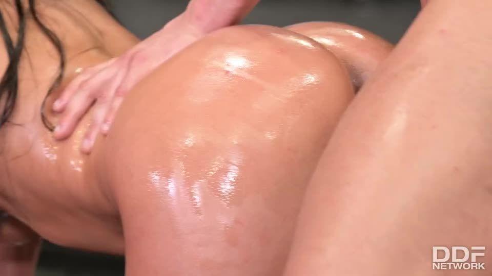An XXX-Treme Workout Regimen, Part 2 (HandsOnHardcore / DDFNetwork / PornWorld) Screenshot 1