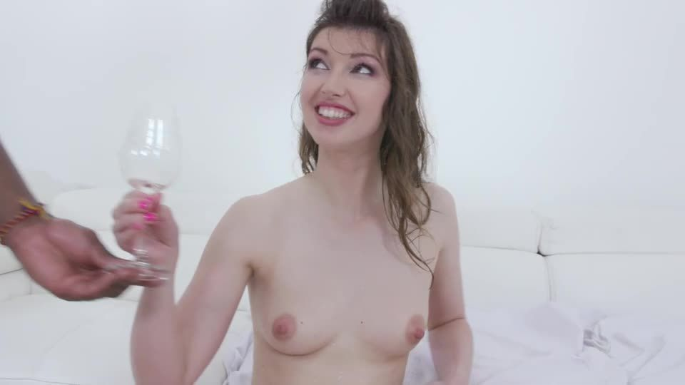 Comes back to taste african champagne (LegalPorno) Screenshot 1
