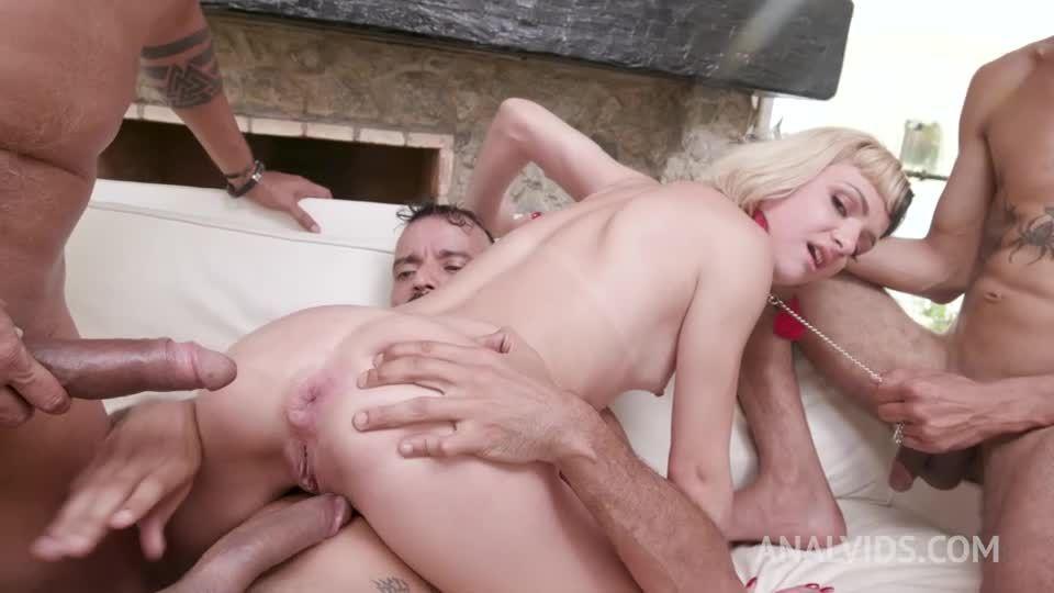 Gets her first DAP with cuckold husband watching YE051 (LegalPorno / AnalVids) Screenshot 7