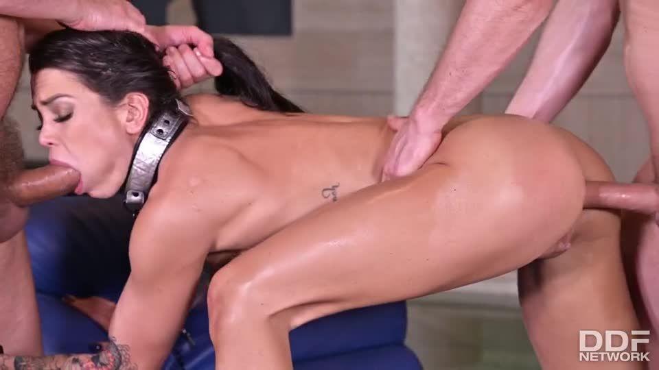 Dark-Eyed Damsel Chloe Gets Fucked Like The Dog She Is (HandsOnHardcore / PornWorld) Screenshot 6