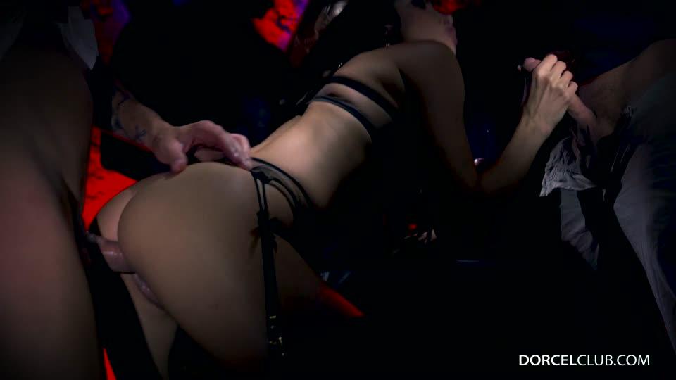 First gang bang for Clea Gaultier (DorcelClub) Screenshot 2