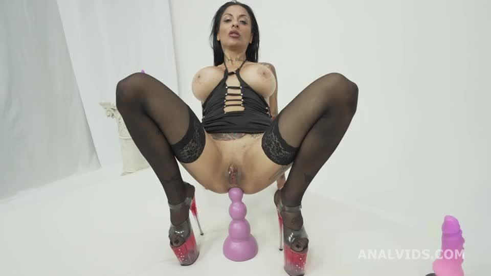 Hot Wet Milf welcome to real porn with Balls Deep Anal, DAP Attempt, DP, Cum in Mouth (LegalPorno) Screenshot 1