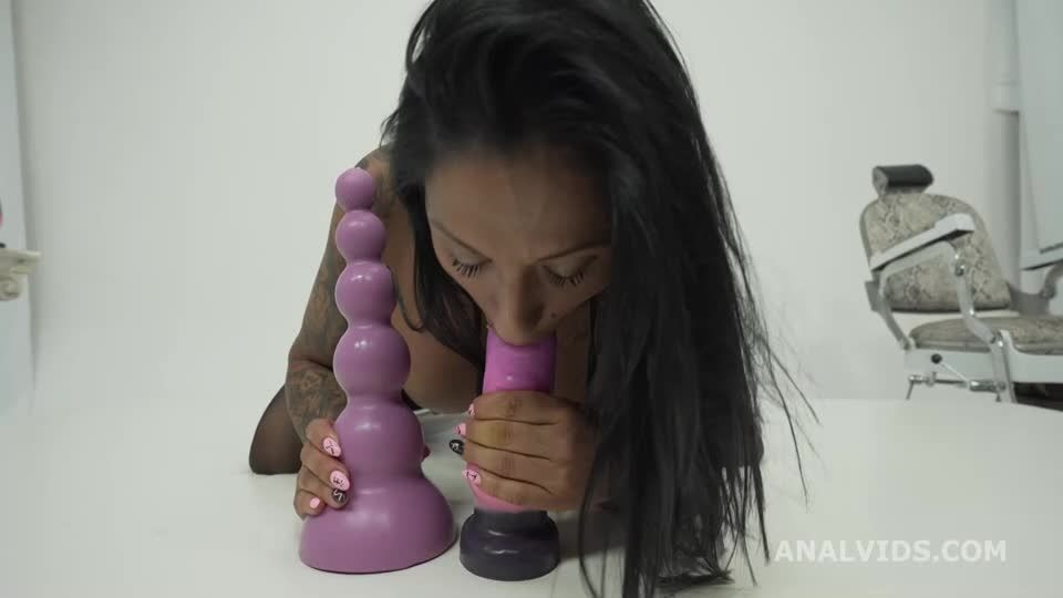 Hot Wet Milf welcome to real porn with Balls Deep Anal, DAP Attempt, DP, Cum in Mouth (LegalPorno) Screenshot 5