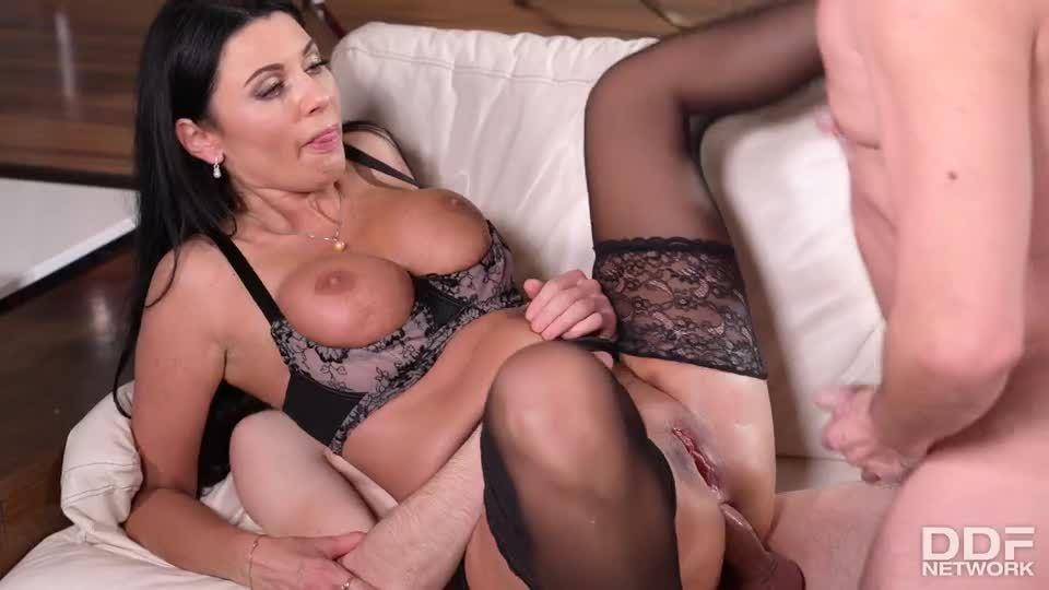 Kinky Gets DP'd By Father & Son's Cocks (HandsOnHardcore / DDFNetwork / PornWorld) Screenshot 9