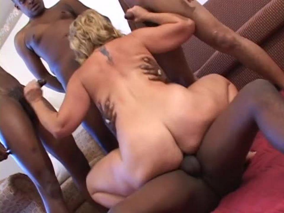 Chix Loving Black Dicks (Sticky Video) Screenshot 1