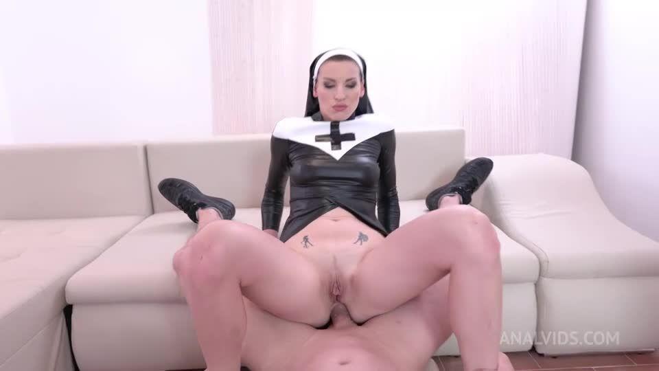 Nun Tea Piss – DP Piss balls deep. deepthroat cum swallow, facial cumshot, gapes NF105 (LegalPorno) Screenshot 1