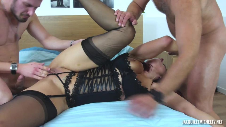 Eloise, 37 Years Old, Has So Many Fantasies To Satisfy (JacquieEtMichelTV / Indecentes-Voisines) Screenshot 8