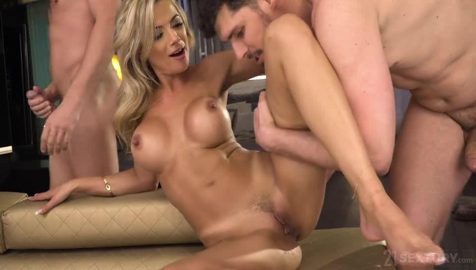 A Well-Adorned Butt (DPFanatics / 21Sextury) Screenshot 6