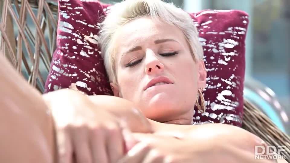 Busty Blonde's Three On One Fun (DDFBusty / DDFNetwork / PornWorld) Screenshot 1