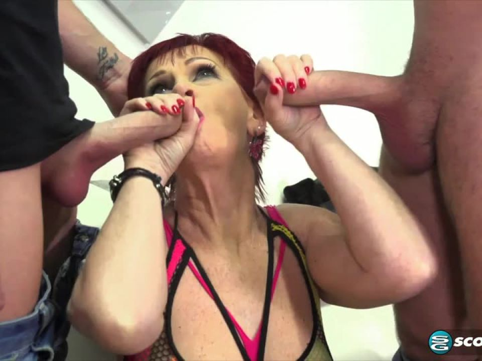 Dpd Hooker (PornMegaLoad / 60PlusMilfs) Screenshot 2