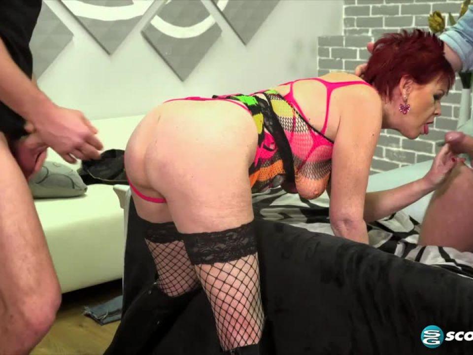 Dpd Hooker (PornMegaLoad / 60PlusMilfs) Screenshot 6