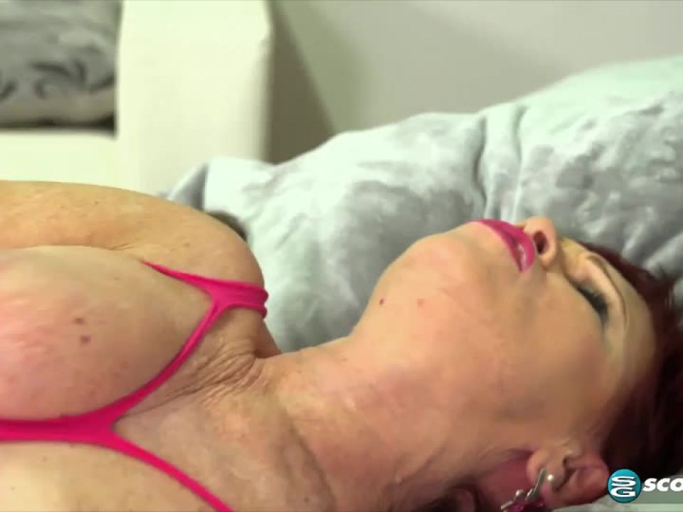 Dpd Hooker (PornMegaLoad / 60PlusMilfs) Screenshot 9