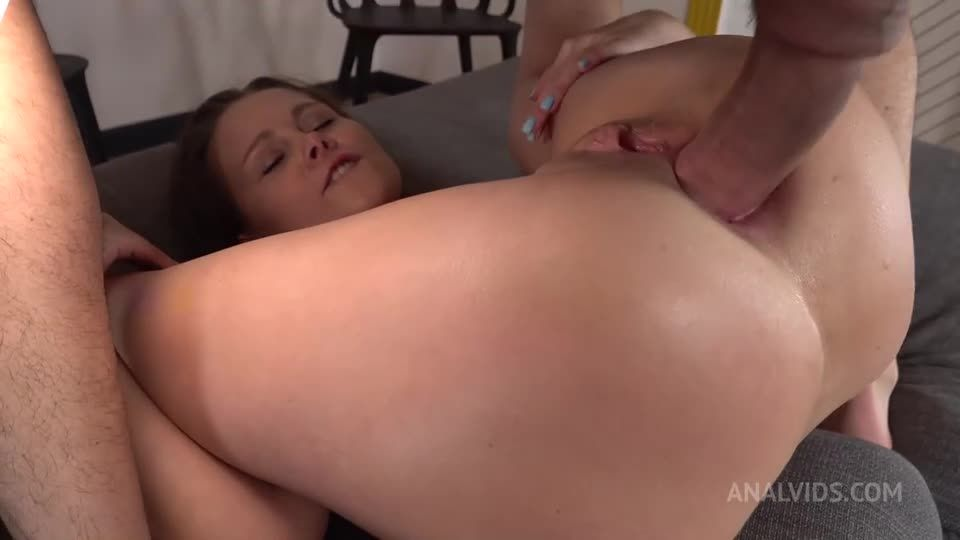 First DAP shy – Two Cocks in Ass – Big Anal Gape – Double Cum in Mouth VK060 (LegalPorno / AnalVids) Screenshot 6
