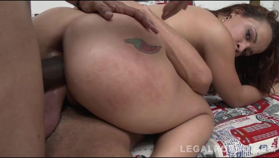 Young brazilian slut assfucked in threesome with DP, DAP & DVP (LegalPorno) Screenshot 5