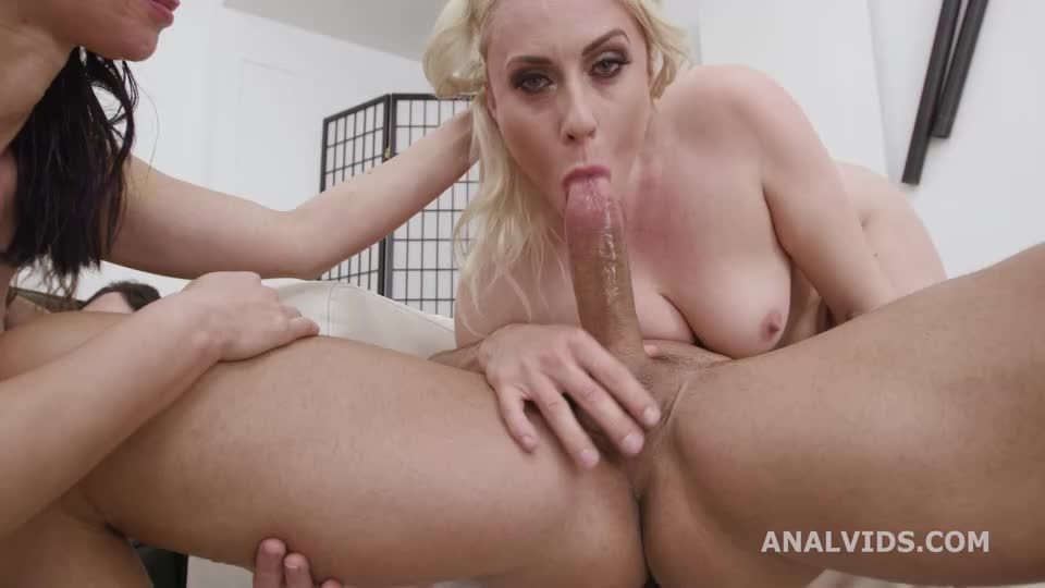 The Befana comes and brings 3 Kings, Balls Deep Anal, DAP, Gapes, ATOGM, Buttrose Licking, Anal Fisting and Cumswapping (LegalPorno) Screenshot 5