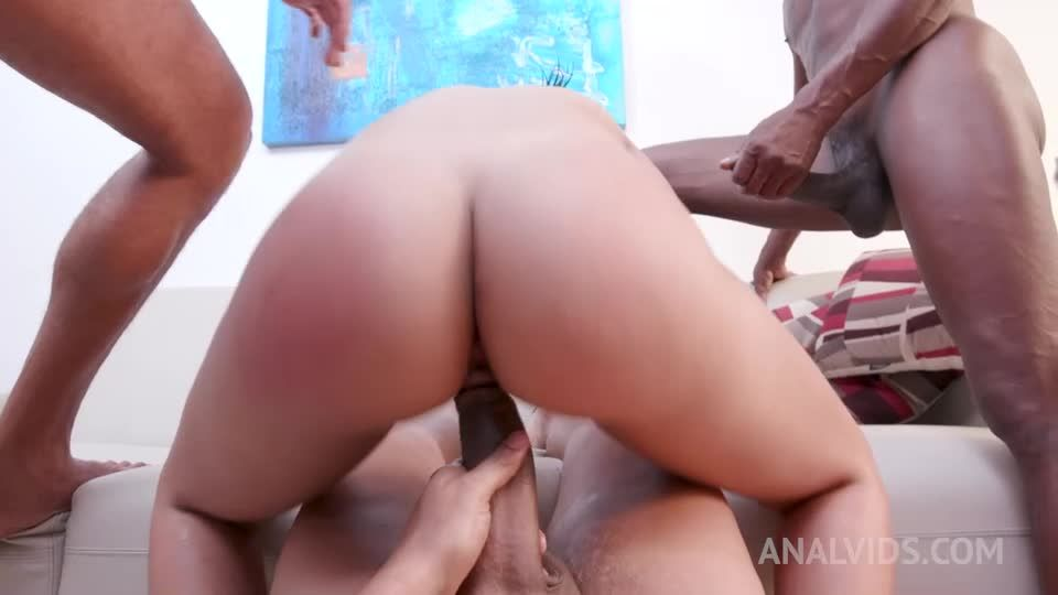 assfucked by 3 huge cocks with Airtight DP YE058 (LegalPorno / AnalVids) Screenshot 7