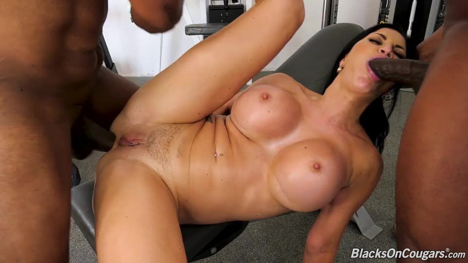 Double Penentration (BlacksOnCougars / DogFartNetwork) Screenshot 4