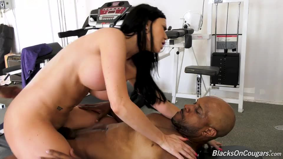 Double Penentration (BlacksOnCougars / DogFartNetwork) Screenshot 5