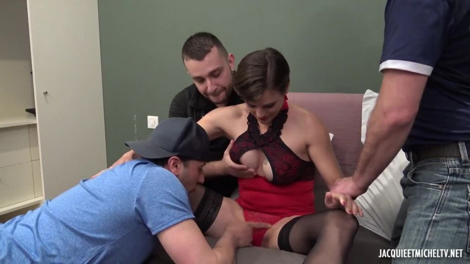 Marie Tastes The Icing On The Cake (JacquieEtMichelTV / Indecentes-Voisines) Screenshot 1