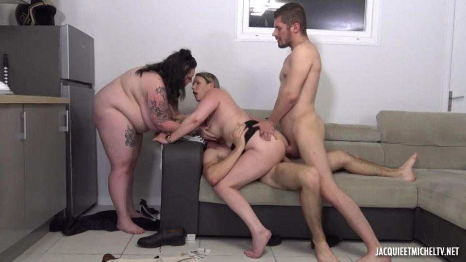 Jade, Interchangeable Slut (JacquieEtMichelTV / Indecentes-Voisines) Screenshot 6