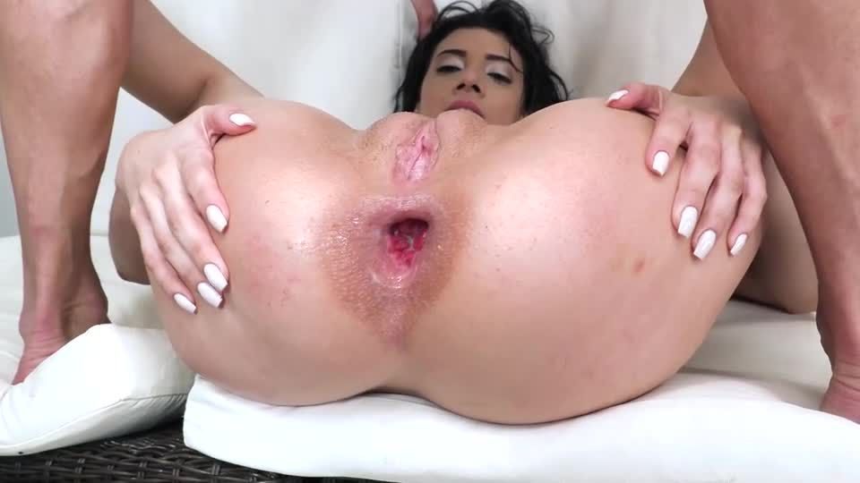 Emily Teaches Lia How To Drink Piss And Fuck Hard NT071 (LegalPorno / AnalVids) Screenshot 7